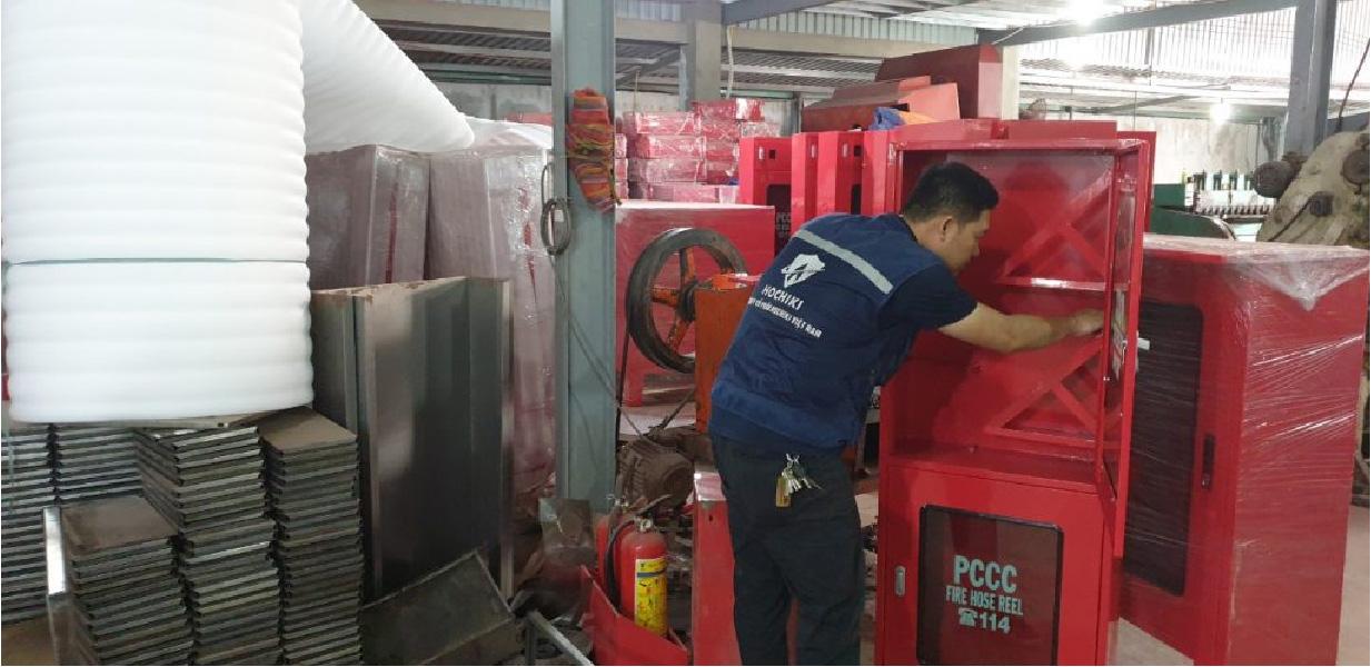 Các loại hộp, tủ, kệ tại xưởng sản xuất thiết bị PCCC HTH
