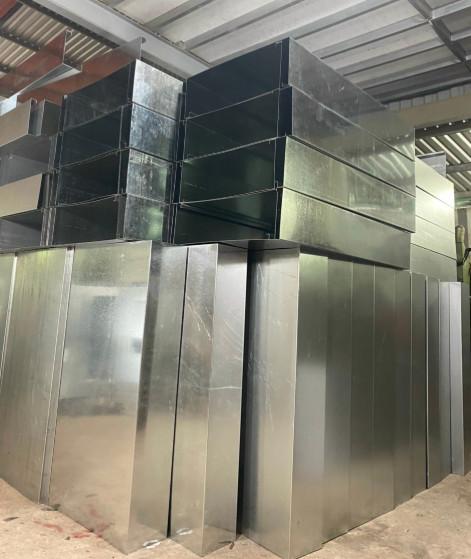 Hộp đựng cuộn vòi chữa cháy inox 304 trong quá trình sản xuất